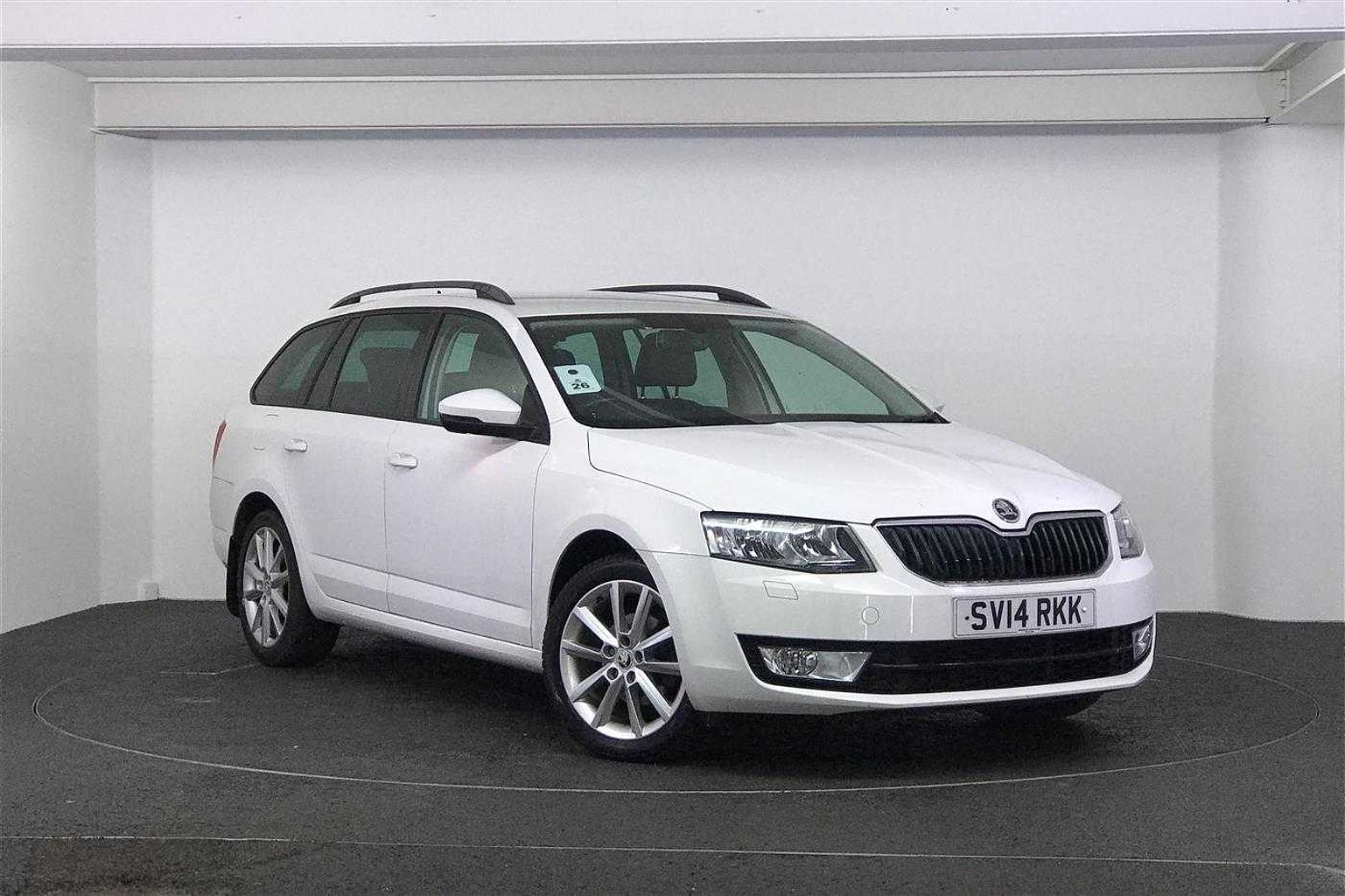 SKODA Octavia 1.6 TDI CR Elegance 5-Door Estate